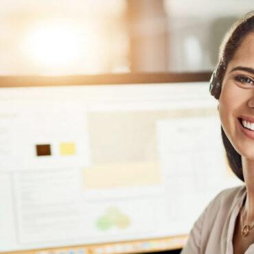 Dem-Con: Customer Service Specialist
